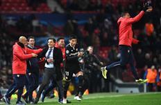 Винченцо Монтелла радуется забитому Севильей мячу, Getty Images