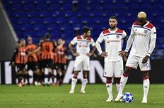 Фекир (слева) и Дембеле (справа), UEFA