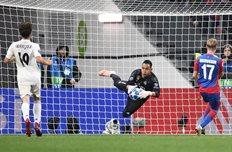 Кейлор Навас в матче с ЦСКА, Getty Images