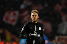 УЕФА может наказать Неймара за критику арбитров после поражения от МЮ