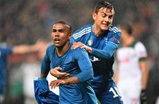 Дуглас Коста и Пауло Дибала, photo Juventus FC