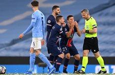 Предполагаемый момент инцидента в матче Манчестер Сити — ПСЖ, Getty Images