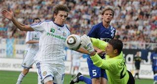 Гармаш открыл счет в матче, фото И. Хохлова, Football.ua