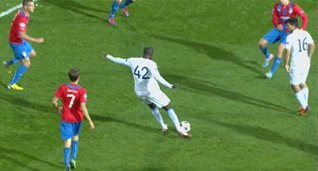 Через секунду Яя Туре сделает счет 2:0, UEFA.com