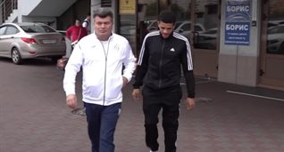 Артур Глущенко и Тайсон, кадр из видео