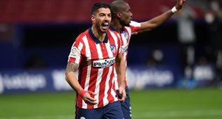 Луис Суарес празднует гол в ворота Сельты, Getty Images