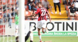 Дебютный гол Мальдини помог Милану обыграть Специю