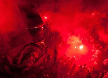 Так фанаты Сантоса встречали команду перед матчем, EPA