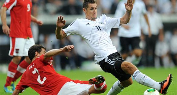 Гарич против Клозе, kicker.de