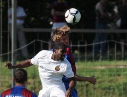 Шершун против Алозие, фото И. Хохлова, Football.ua
