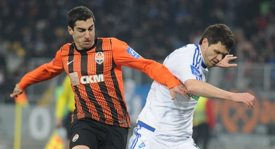 Тарас Михалик против Генриха Мхитаряна, фото Ильи Хохлова, Football.ua