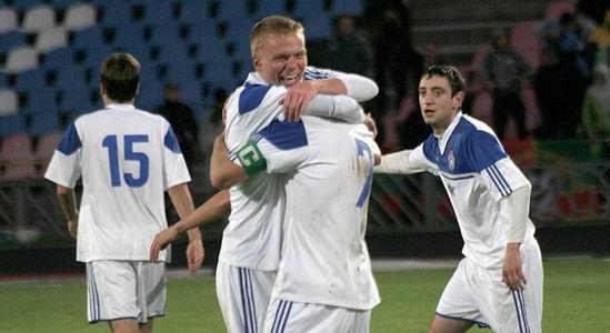 Славитуч снова первый, fcslavutich.ck.ua