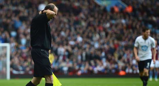 Дэвид Брайан отделался легким испугом. Фото Sky Sports