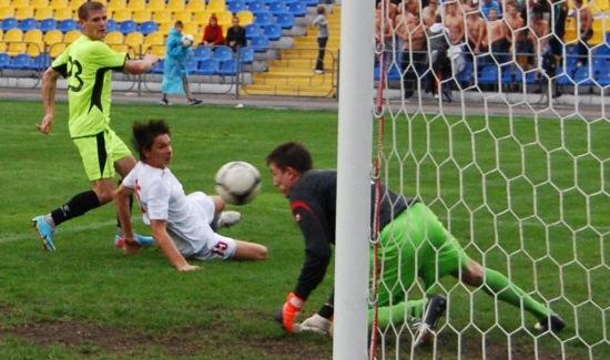 В Днепродзержинске белоцерковцы выстояли, несмотря на два пенальти, фото fcstal.com.ua