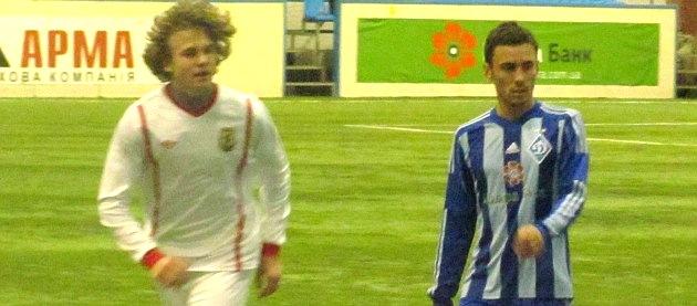 Семен Дорош (слева) – один из лидеров команды КДЮСШ-15, фото Артура Валерко, Football.ua