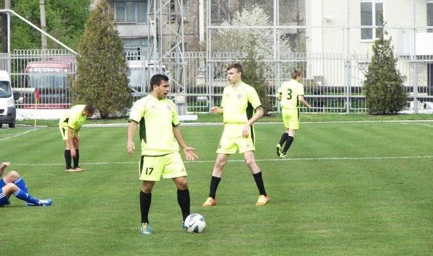 Антон Котляр (с мячом), фото www.fcstal.com.ua