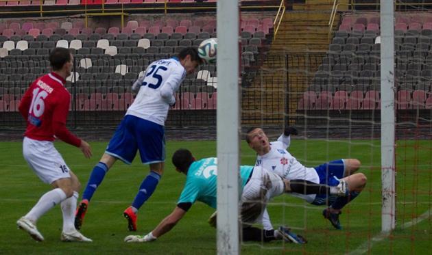 Кульминация матча: Яремчук и Хобленко потеряли шанс занести мяч в ворота криворожан, фото fcdynamo.kiev.ua