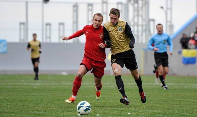 Качур (слева) в борьбе, gelios.ua