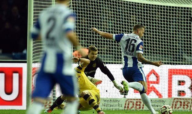 Шибер забивает в ворота своей бывшей команды, фото getty images