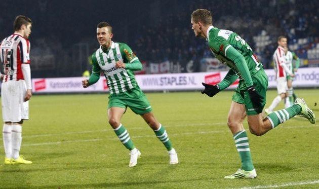 Нецид (справа) принес победу Зволле, fcupdate.nl