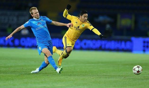 Еременко против Торреса, фото Р. Шевчука, Football.ua
