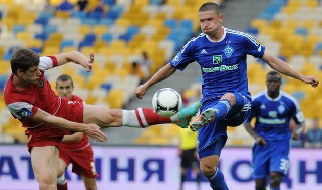 В первой части сезона Цуриков (справа) играл нечасто, Football.ua