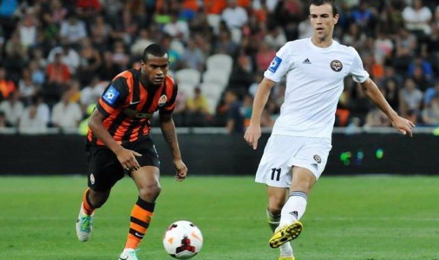 Алексей Годин против Фернандо, фото М.Масловского, Football.ua