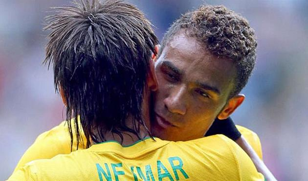 Неймар и Данило, Marca