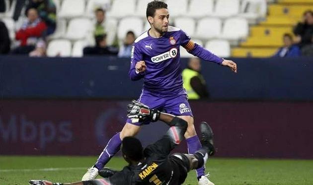 Серхио Гарсия не разминулся с Камени, insidespanishfootball.com