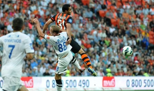 Валеев против Исмаили, фото М. Масловского, Football.ua