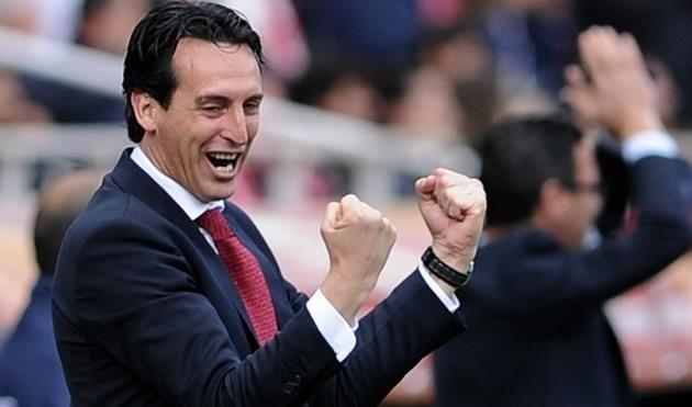 Эмери стал первым тренером в истории, выигравшим один еврокубковый турнир три раза подряд