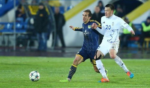 Виталийс Ягодинскис (справа), фото Football.ua