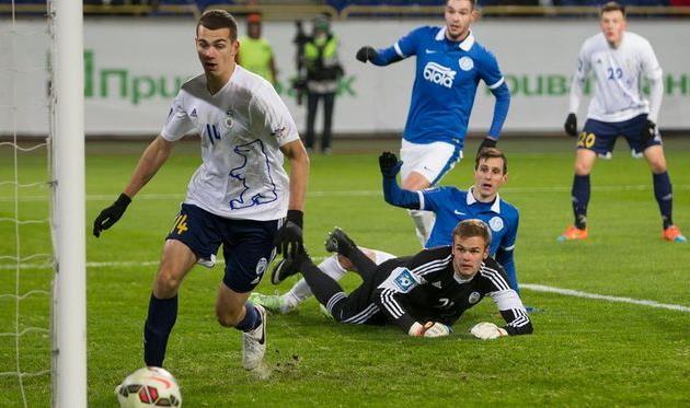 Тарас Качараба в матче против Днепра, фото С. Ведмидя, Football.ua