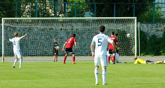 Этот гол киевлян заставил хозяев понервничать, фото gornyak-sport.net
