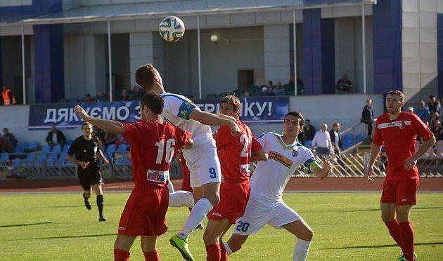 Батальский и Тарасенко (на фото в белом) обеспечили важнейшую победу черкассцам, фото ckdnipro.com.ua
