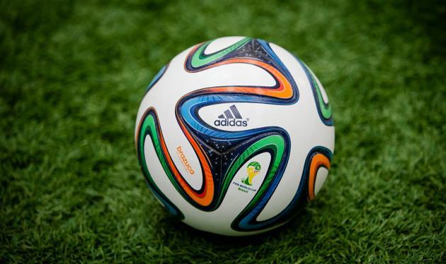 adidas рассмотрит возможность расторжения контракта с ФИФА