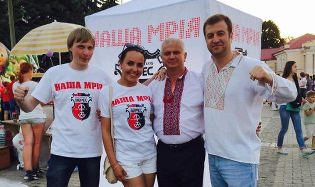 Олексій Хахльов (праворуч)