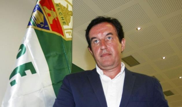 Президент Эльче Хуан Ангикс, AS