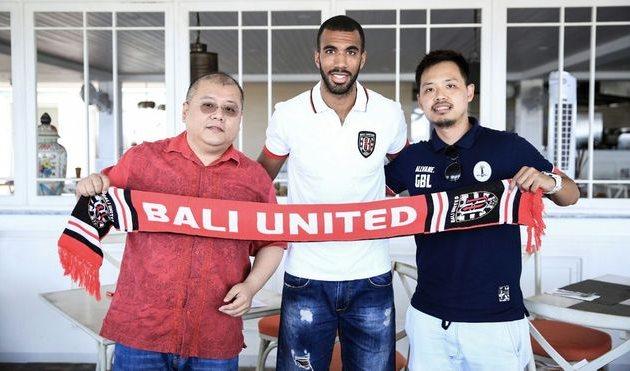 ильвано Комвалиус, Bali United