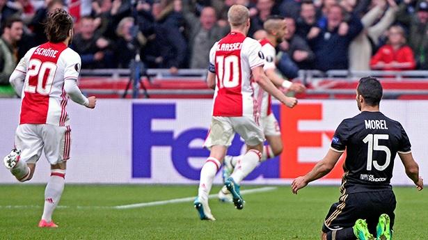 Лион - фаворит ответного матча с Аяксом, Getty Images