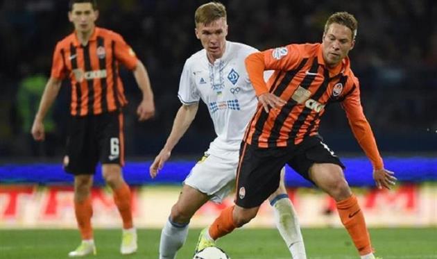 Сидорчук (в центре) и Марлос (справа) попали в сборную сезона