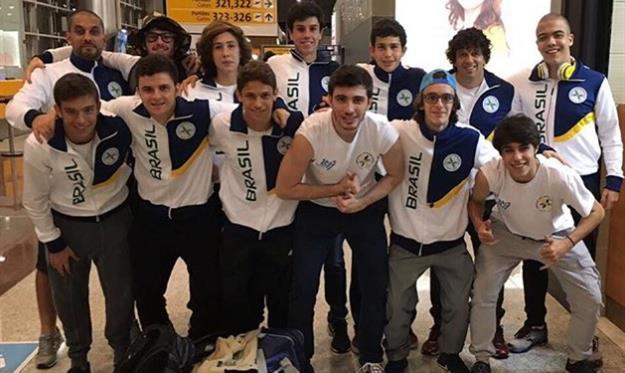 Сборная Бразилии U-18 перед отправкой на турнир, instagram.com