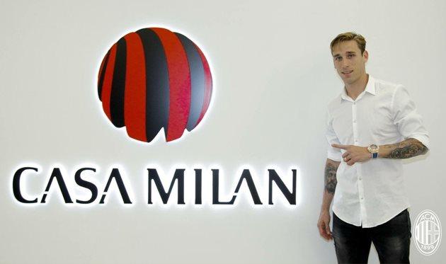 Лукас Билья, acmilan.com