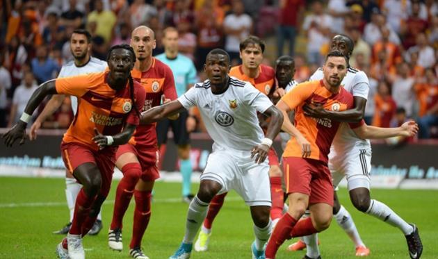 Галатасарай с треском провалился в Лиге Европы, twitter.com/GalatasaraySK
