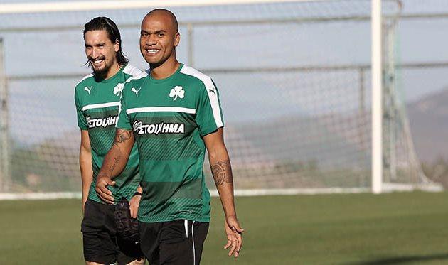 Родриго Моледо (справа), pao.gr