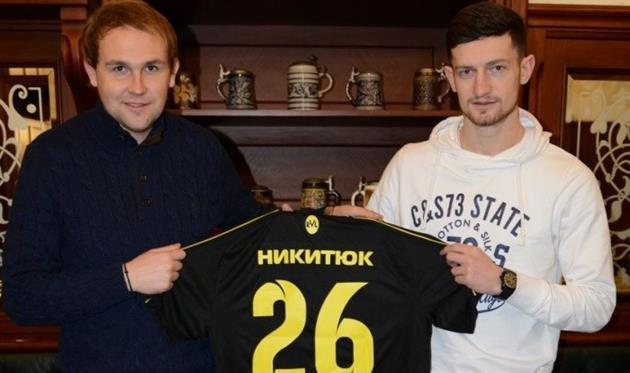 Роман Никитюк (справа), ФК Рух