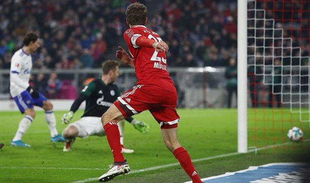 Томас Мюллер забивает победный мяч, Getty Images