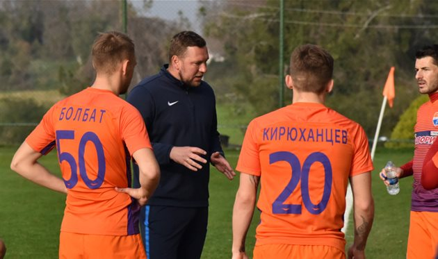 Александр Бабич (по центру), фото: ФК Мариуполь
