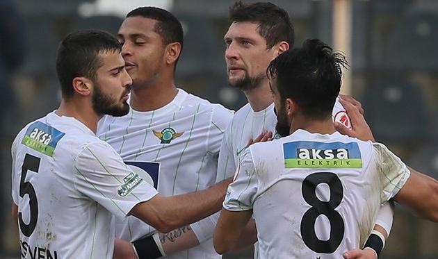 Селезнев забил Галатасараю в полуфинале Кубка Турции