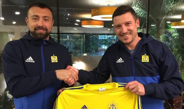 Алексей Антонов (слева), фото фк вентспилс